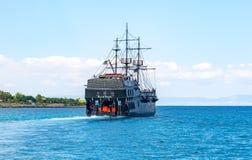 Barco preto da viagem, Chipre fotos de stock royalty free