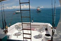 Barco profundo de la pesca en mar Foto de archivo