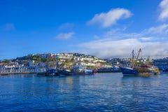 Barco rastreador Brixham Devon de la vigilancia Fotos de archivo