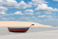 Barco rojo Imagenes de archivo
