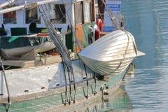 Barco salva-vidas moderno do metal fotografia de stock