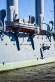 Barco salva-vidas no navio de guerra Foto de Stock Royalty Free