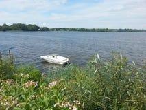 Barco solitario Fotos de archivo