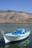 Barco solo en Grecia Imagen de archivo libre de regalías
