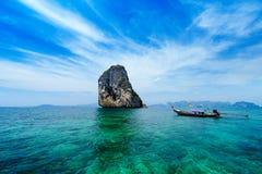 Barco tailandés tradicional Imágenes de archivo libres de regalías