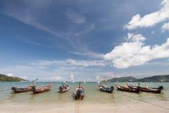 Barco tailandés tradicional de Longtail Imagenes de archivo