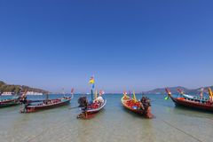 Barco tailandés tradicional del longtail en Phuket, Tailandia Imagen de archivo libre de regalías