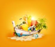 Barco tailandês bonito com mala de viagem Fotografia de Stock Royalty Free