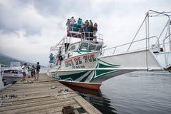 Barco turístico en el lago Atitlan Guatemala Imagen de archivo libre de regalías