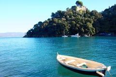 Barco vacío en el mar Foto de archivo