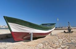 Barco velho fora da água Fotografia de Stock