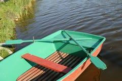 Barco verde Fotos de archivo libres de regalías