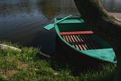 Barco verde Imágenes de archivo libres de regalías