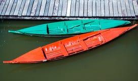 Barco verde y barco rojo Fotografía de archivo