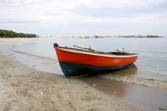 Barco vermelho fotografia de stock royalty free