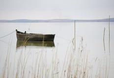Barco viejo del pescador Imagen de archivo libre de regalías