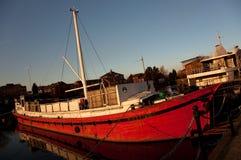 Barco viejo rojo Foto de archivo libre de regalías