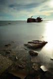Barco volcado Imágenes de archivo libres de regalías