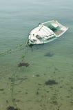 Barco volcado fotografía de archivo