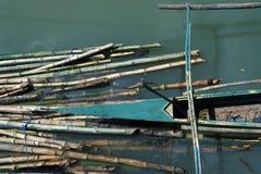 Barco y bambú del mejillón Fotografía de archivo