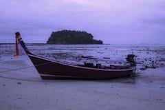 Barco y cielo de mar Fotografía de archivo