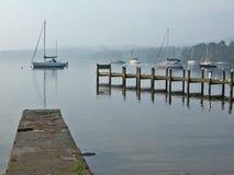 Barco y embarcaderos Foto de archivo libre de regalías
