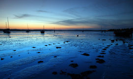 Barco y la reflexión azul Imagen de archivo libre de regalías