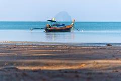 Barco y mar de pesca Foto de archivo libre de regalías