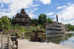 Barco y Phantom Manor grandes de Mesa River del trueno Foto de archivo libre de regalías