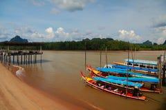 Barco y playa Foto de archivo libre de regalías