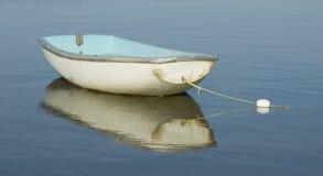 Barco y reflexión foto de archivo libre de regalías