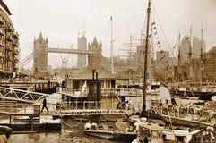 Barcos adornados con las banderas Fotos de archivo