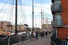 Barcos atracados fotos de archivo