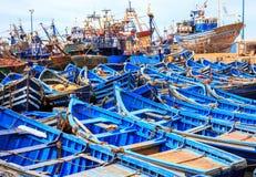 Barcos azules de Essaouira, Marruecos Imagen de archivo libre de regalías