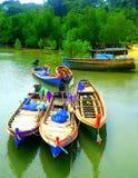 Barcos bonitos do mar de Tailândia foto de stock