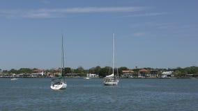 Barcos cerca de St Augustine, FL en 4K almacen de video