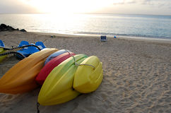 Barcos coloridos no crepúsculo Imagem de Stock