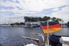 Barcos con la bandera de Alemania Foto de archivo libre de regalías
