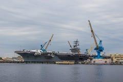 Barcos da Armada dos E.U. na jarda de Norfolk em Virgínia imagem de stock
