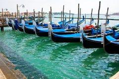 Barcos da gôndola em Veneza Fotografia de Stock