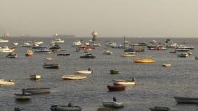Barcos de Bombay la India en puerto metrajes