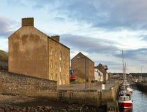 Barcos de Burghead en el muelle. Fotos de archivo libres de regalías