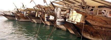 Barcos de carga de madera Dubai Creek Imagen de archivo libre de regalías