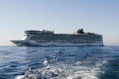 Barcos de cruceros en Cannes Fotos de archivo