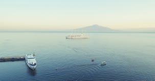Barcos de cruceros en el mar Imagen de archivo