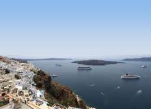 Barcos de cruceros en el mar Mediterráneo Imágenes de archivo libres de regalías