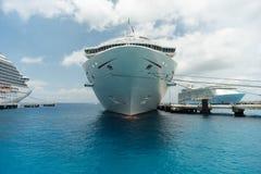 Barcos de cruceros en el puerto de Cozumel Imágenes de archivo libres de regalías