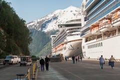 Barcos de cruceros en Skagway, Alaska Imagen de archivo libre de regalías