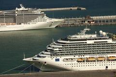 Barcos de cruceros grandes Foto de archivo libre de regalías