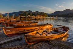 Barcos de enfileiramento na água de Derwent Fotografia de Stock